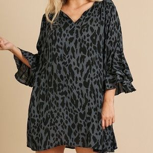 🌸Animal Print RuffleSplit Sleeve Split Neck Dress